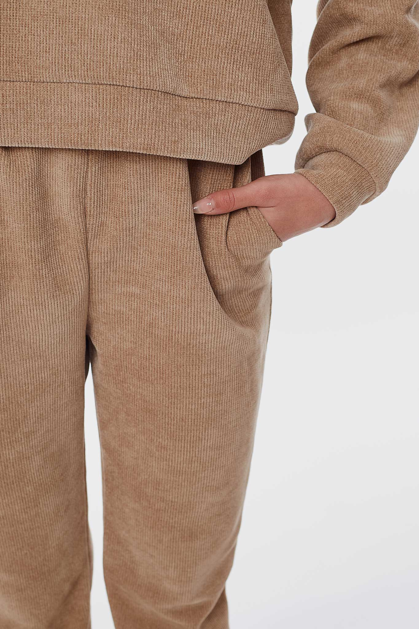 your decade JETTE JET BEIGE JOGGER 6